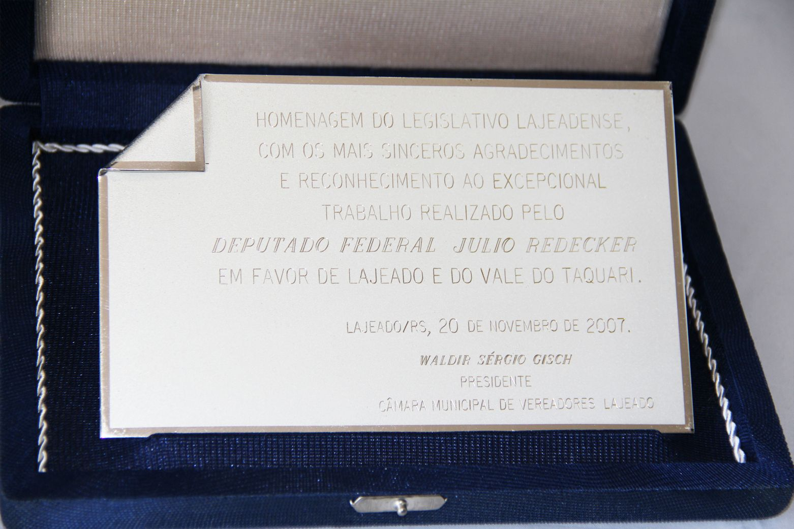 5be4632834f80-homenagem-postuma-do-legislativo-de-lajeado-2007.jpg